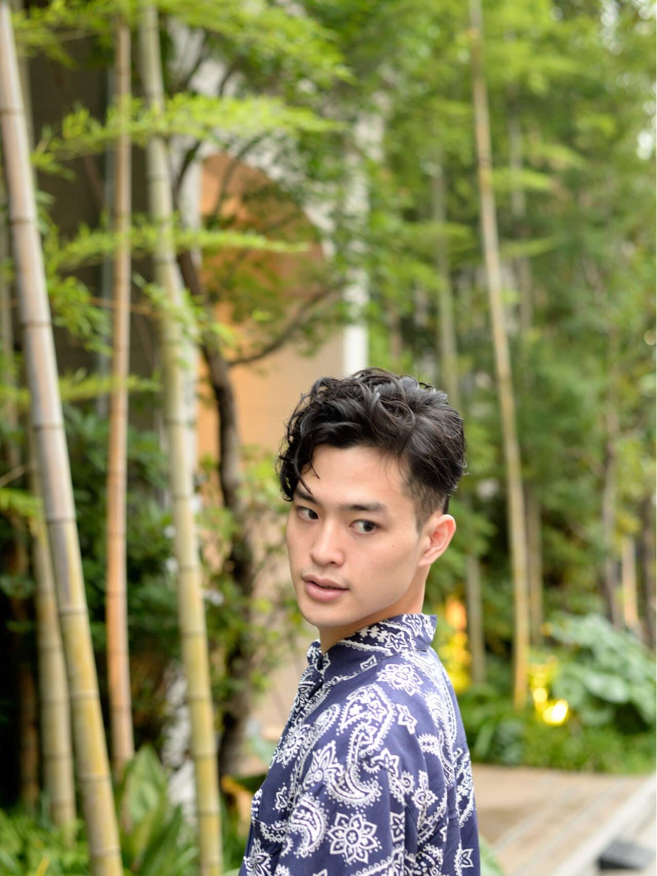 ショート パーマ メンズ ナチュラルヘアスタイルや髪型の写真・画像