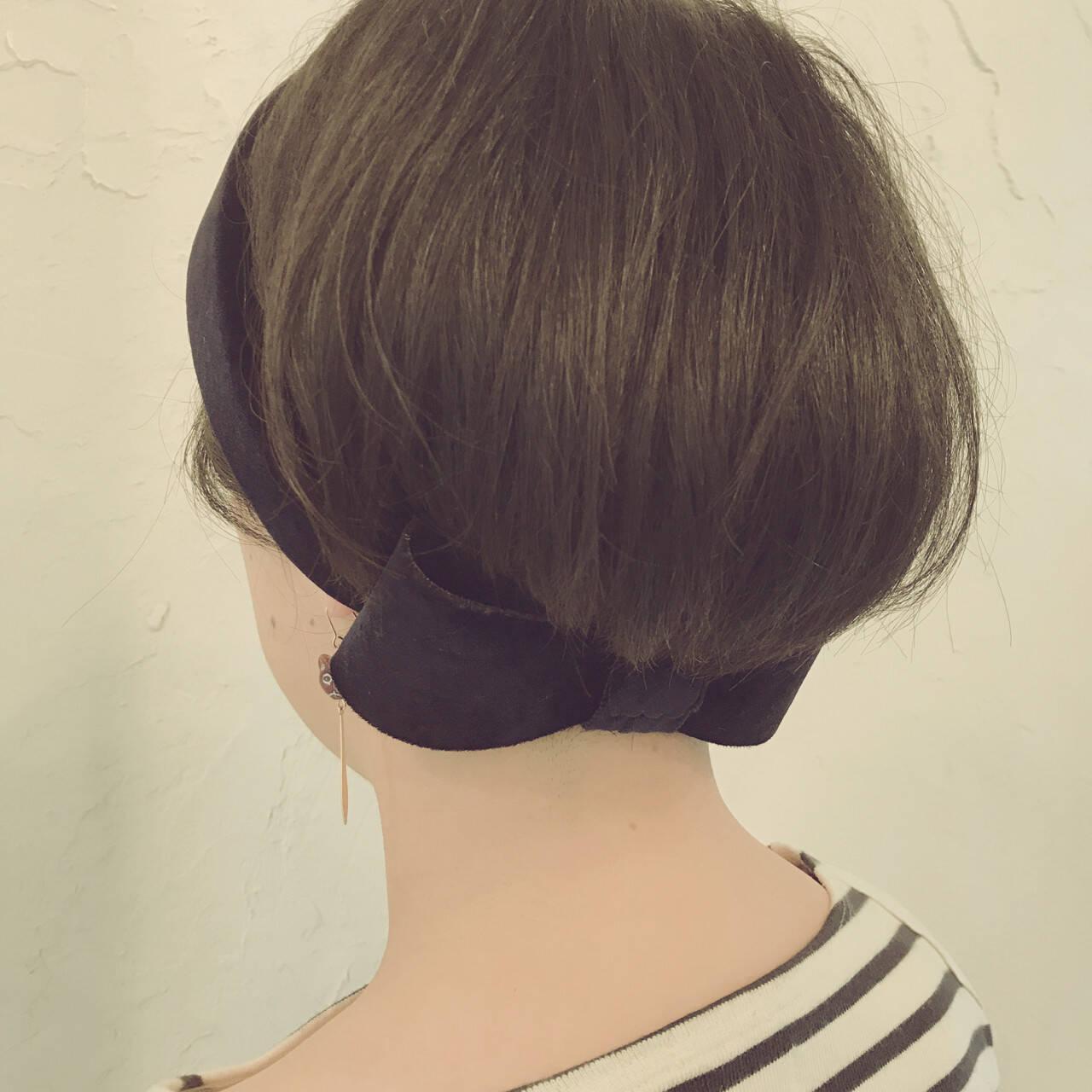 ヘアアレンジ 小顔 ボブ ヘアバンドヘアスタイルや髪型の写真・画像
