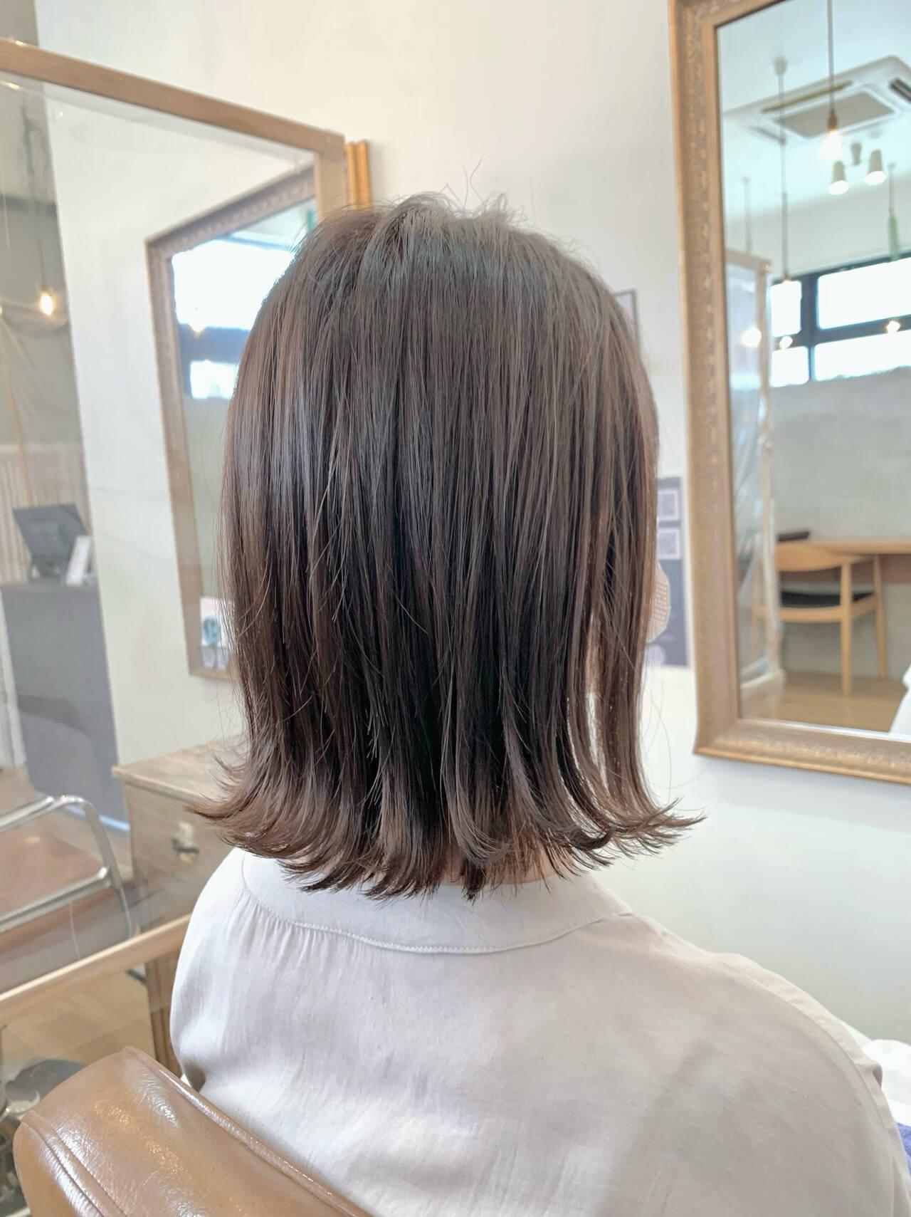 ミディアム 切りっぱなし ヘアオイル イルミナカラーヘアスタイルや髪型の写真・画像