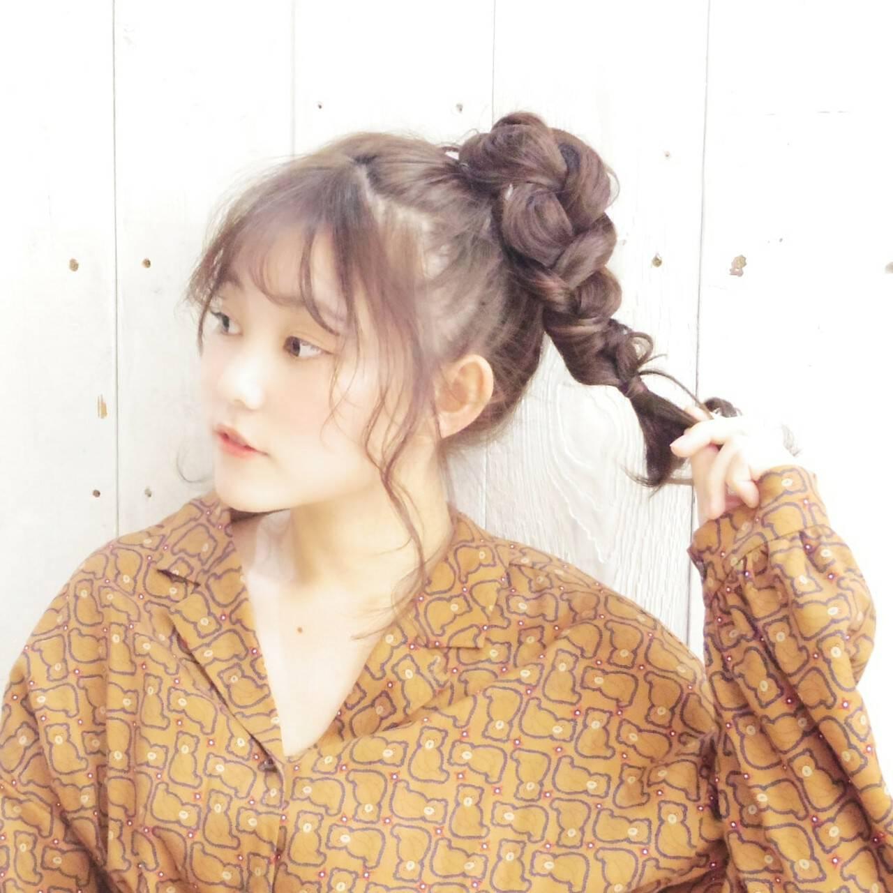 シースルーバング ガーリー まとめ髪 ヘアアレンジヘアスタイルや髪型の写真・画像