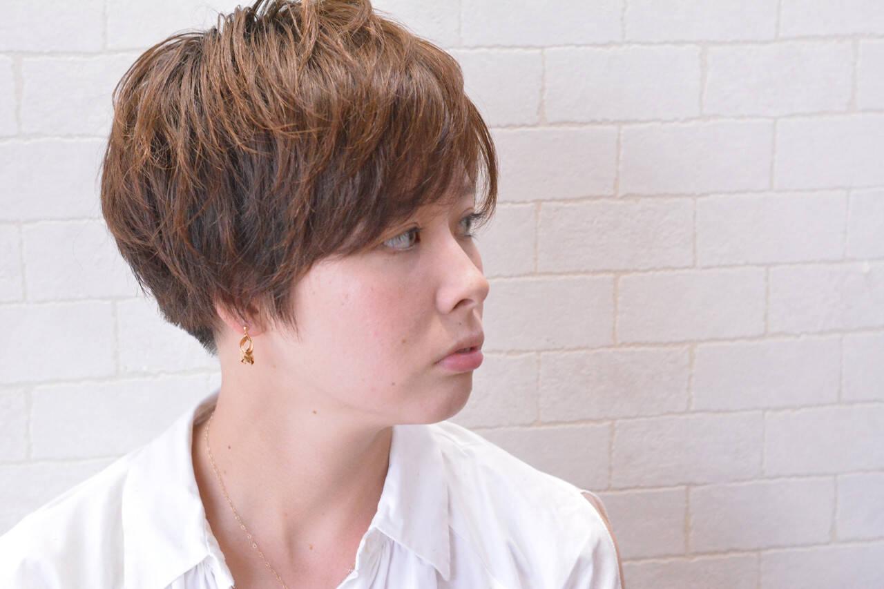 ミニボブ ショート ナチュラル ショートヘアヘアスタイルや髪型の写真・画像
