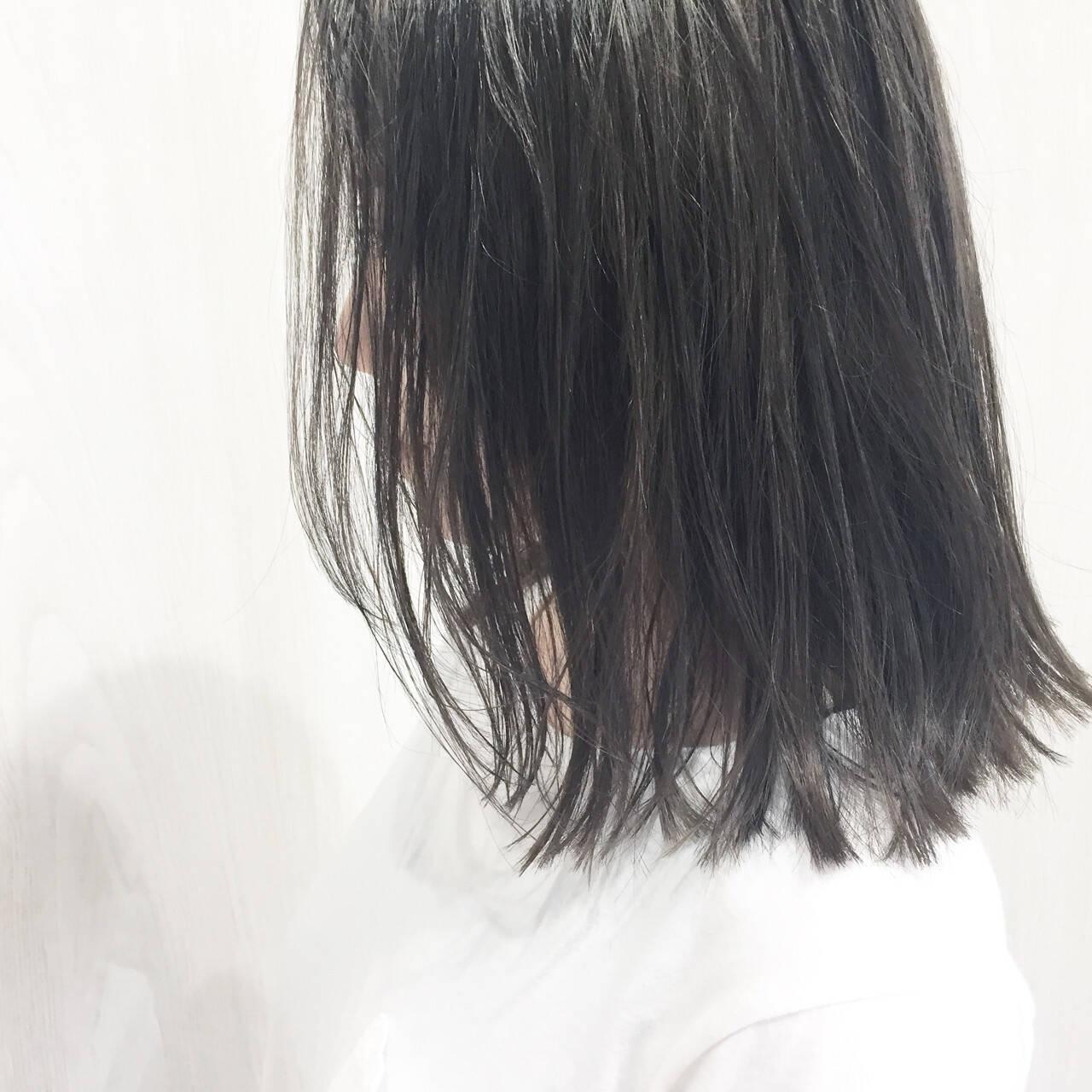 外国人風 セミロング 暗髪 ストリートヘアスタイルや髪型の写真・画像