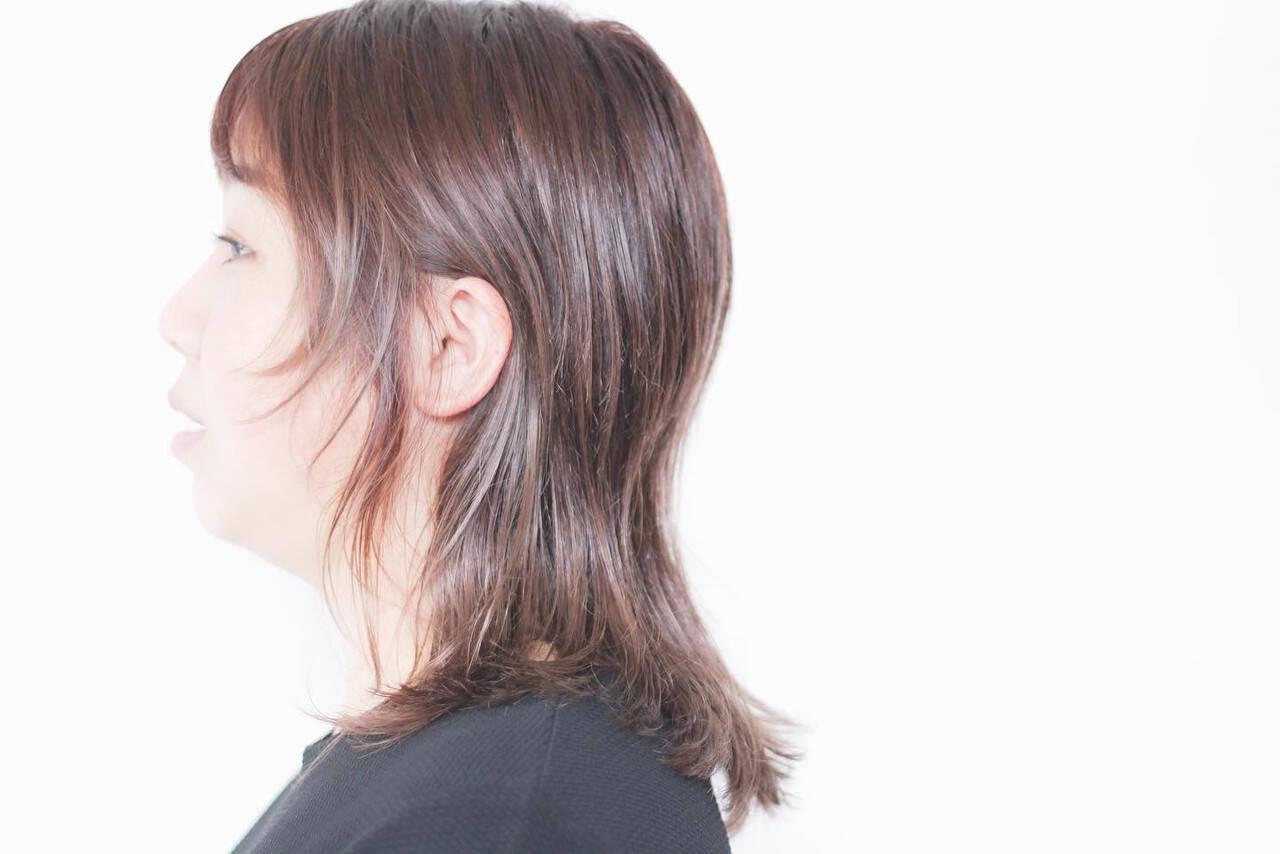 セミロング ミルクティーアッシュ 大人女子 ミルクティーヘアスタイルや髪型の写真・画像