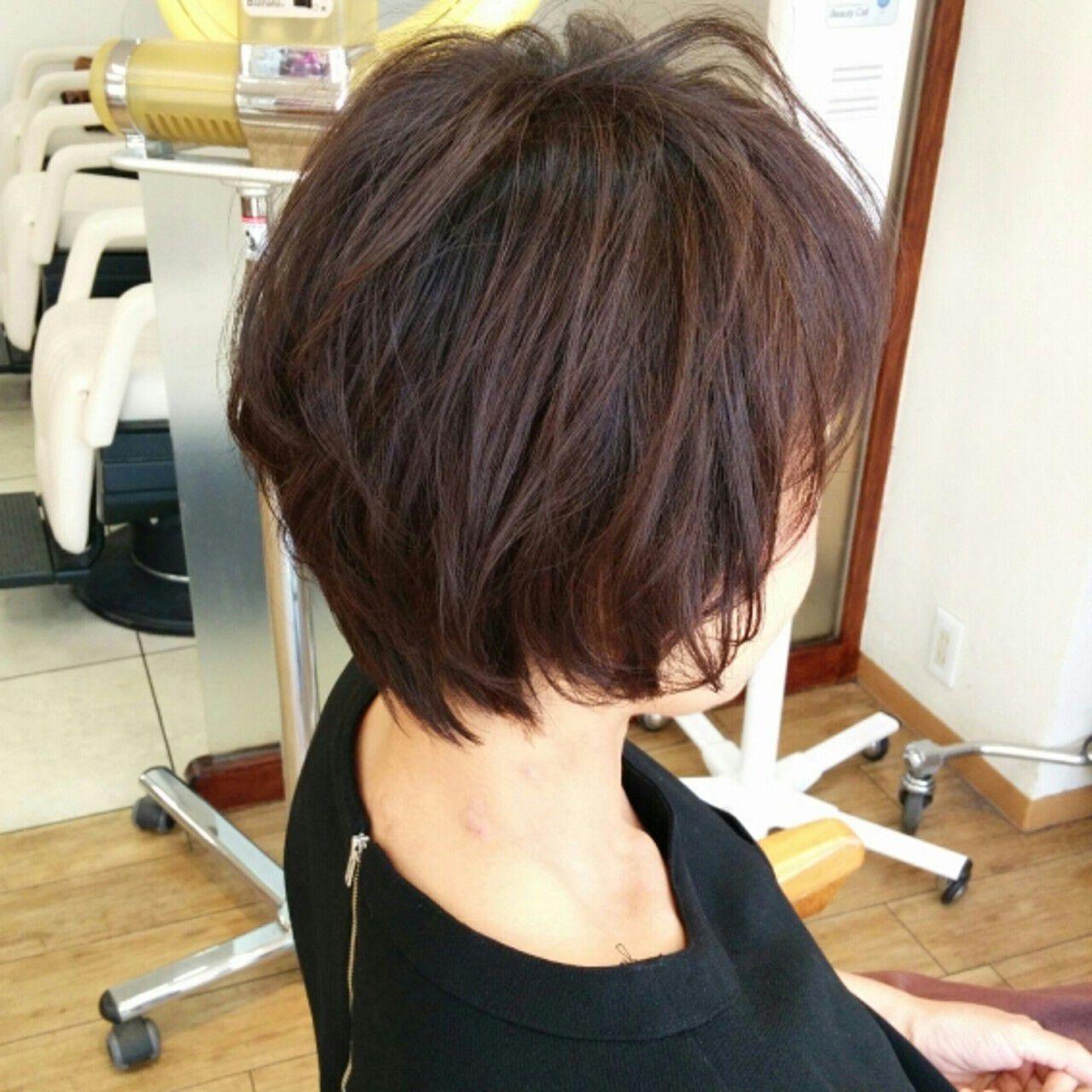 コンサバ ショート 暗髪 ゆるふわヘアスタイルや髪型の写真・画像