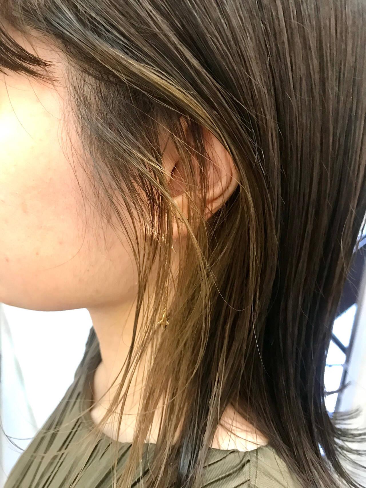 外国人風カラー インナーカラー アッシュベージュ ハイライトヘアスタイルや髪型の写真・画像