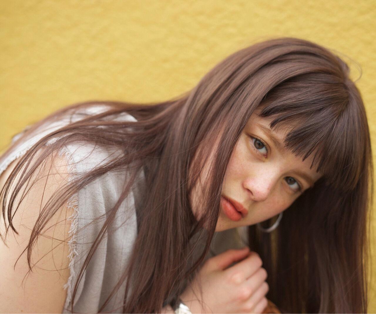 リラックス ウェーブ アッシュ アンニュイヘアスタイルや髪型の写真・画像