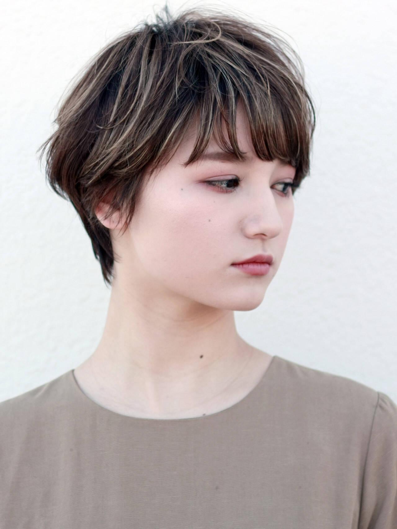 ショートヘア 大人ハイライト ショート ナチュラルヘアスタイルや髪型の写真・画像