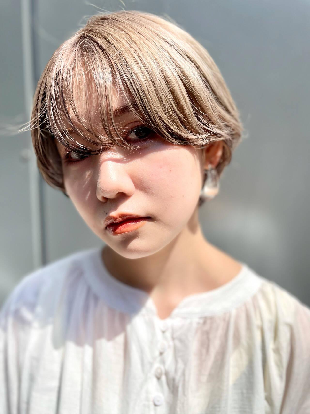 ダブルカラー ナチュラル ショート ベリーショートヘアスタイルや髪型の写真・画像
