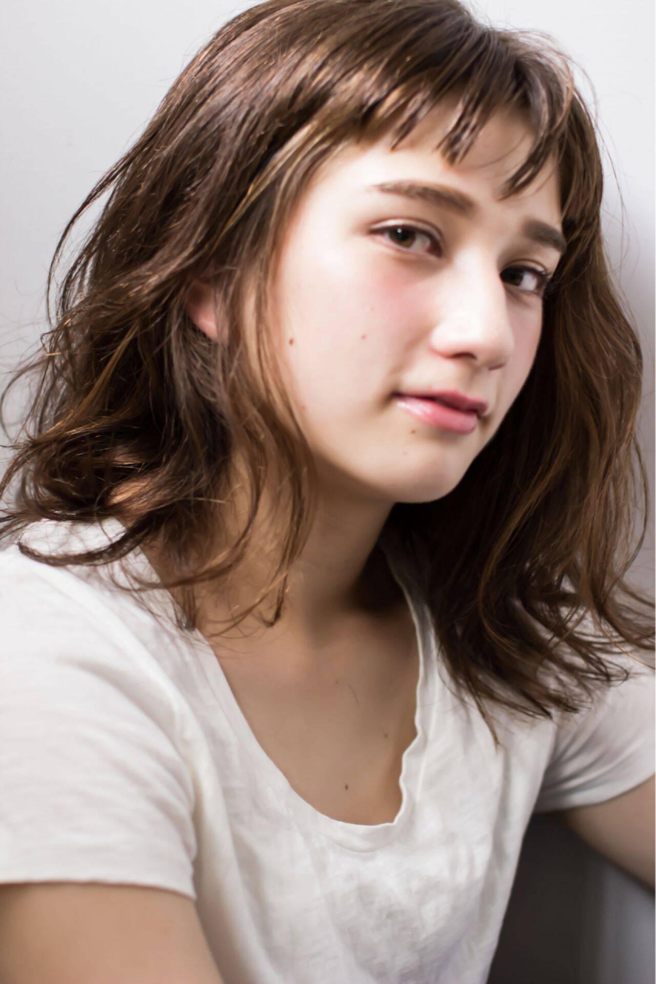 ミディアム 外国人風 ロブ ナチュラルヘアスタイルや髪型の写真・画像