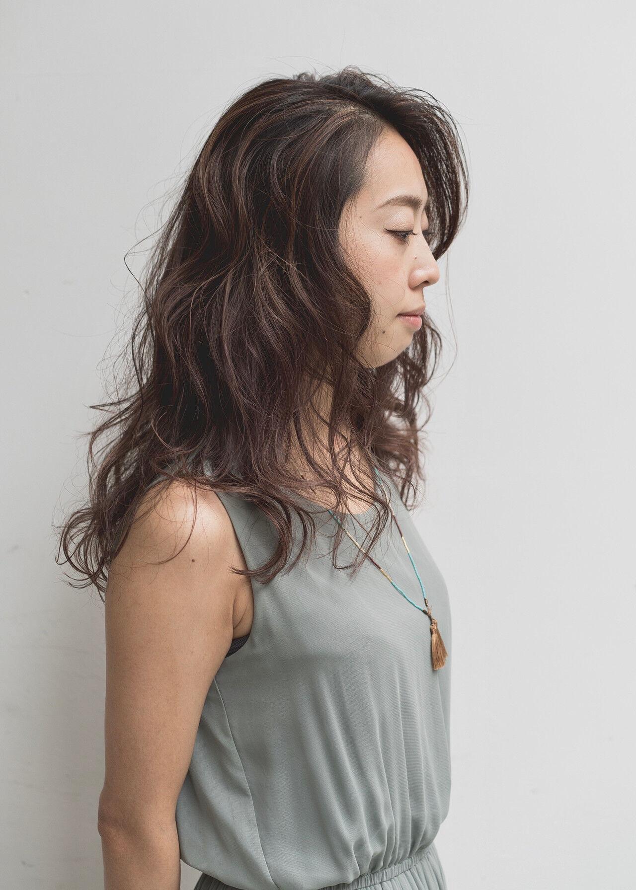ハイライト フェミニン 3Dハイライト セミロングヘアスタイルや髪型の写真・画像