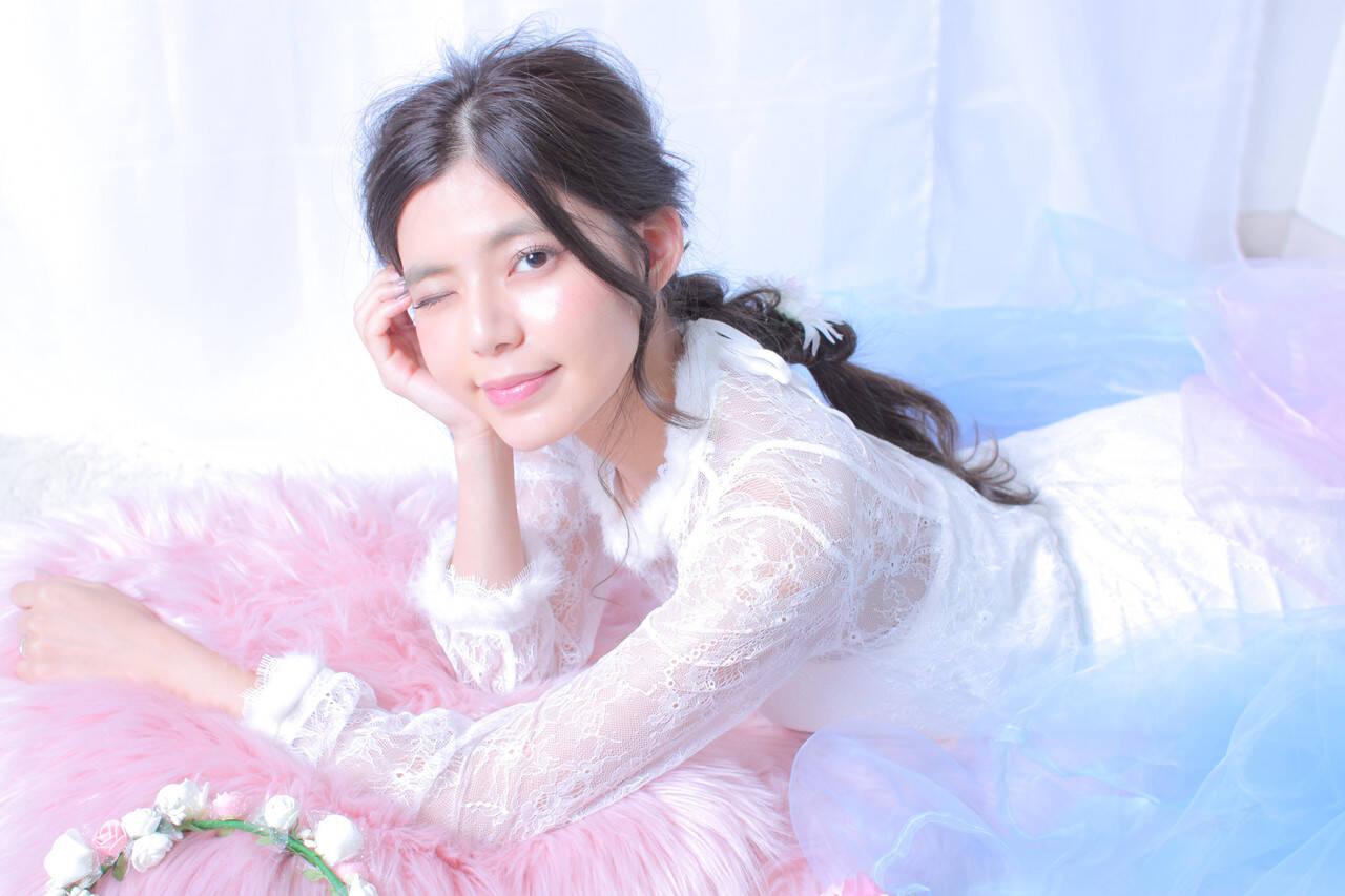 編みおろしヘア 結婚式ヘアアレンジ 大人かわいい フェミニンヘアスタイルや髪型の写真・画像