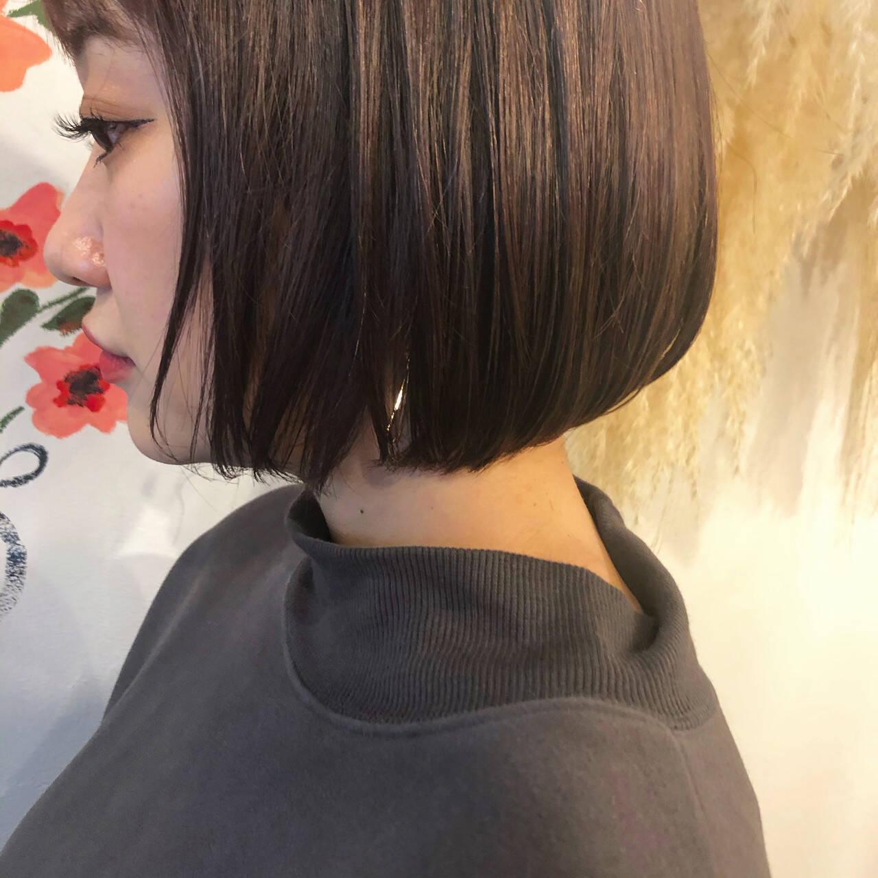 切りっぱなしボブ ピンクラベンダー ブリーチカラー ナチュラルヘアスタイルや髪型の写真・画像