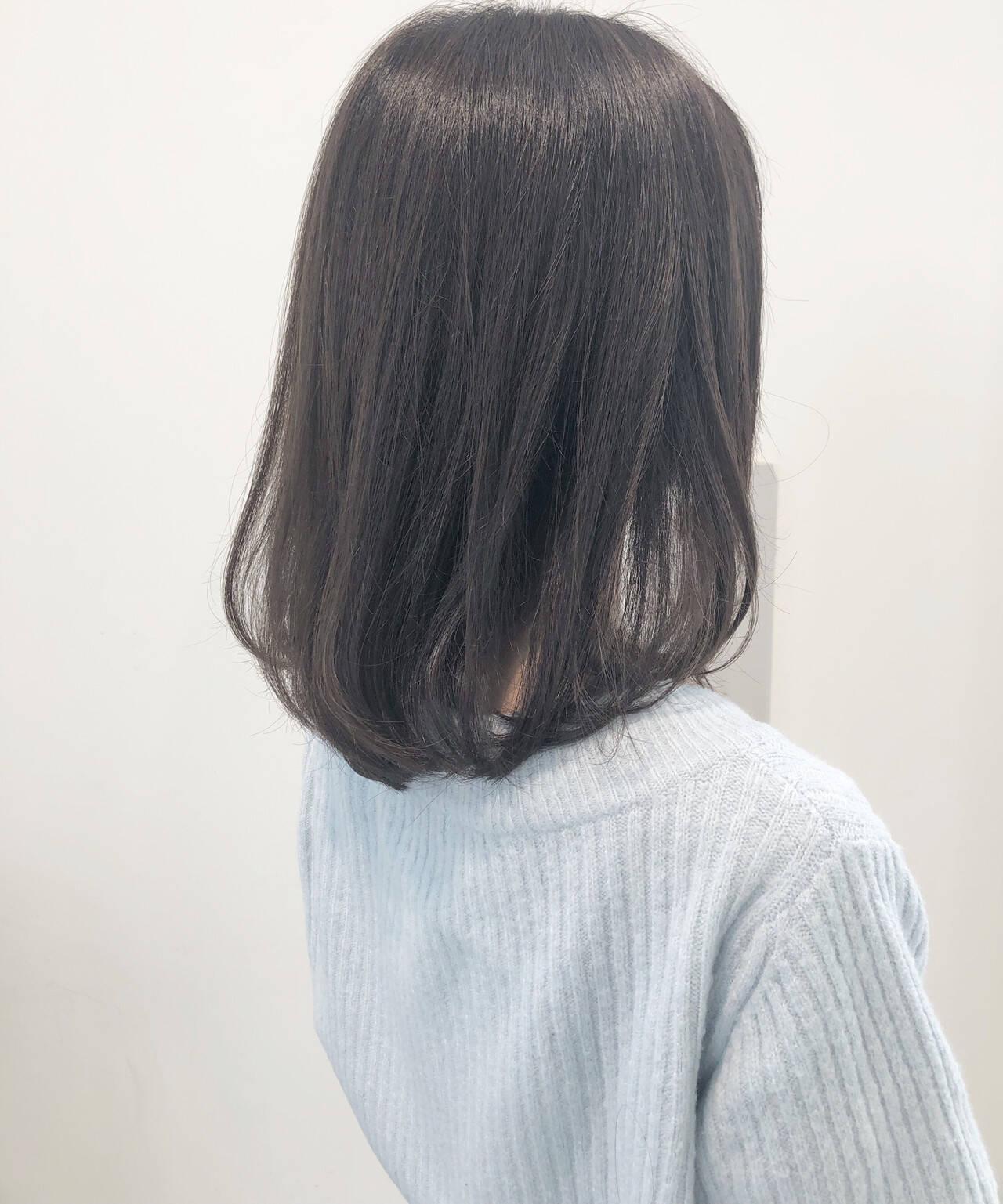 ヘアセット 大人ハイライト フェミニン ミルクティーグレージュヘアスタイルや髪型の写真・画像
