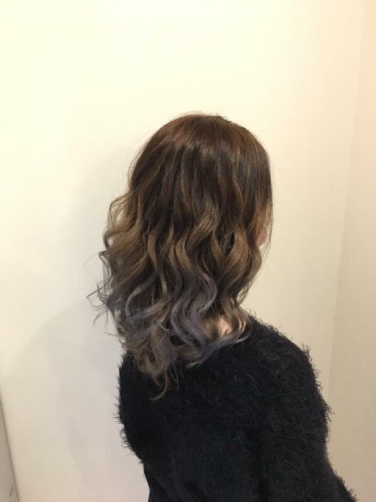 外国人風カラー 夏 グラデーションカラー セミロングヘアスタイルや髪型の写真・画像