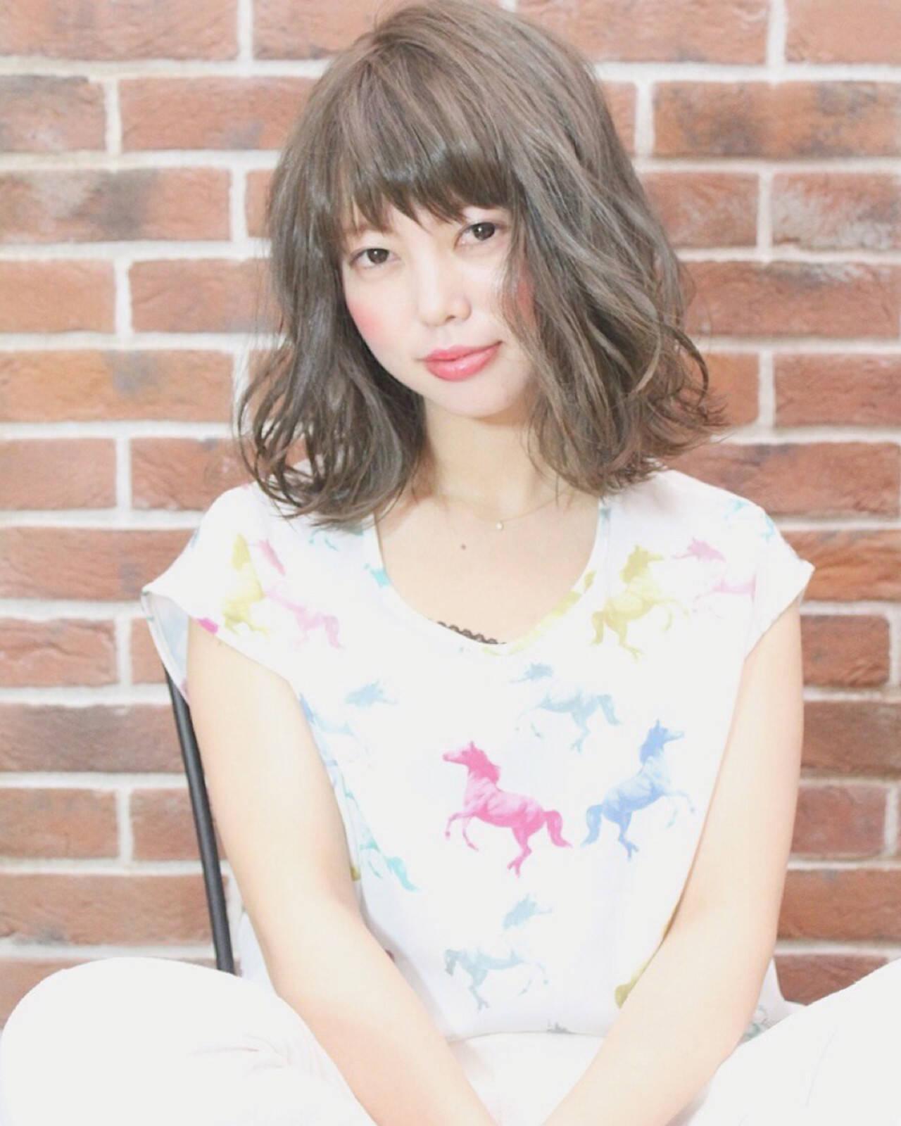 女子会 リラックス パーマ ナチュラルヘアスタイルや髪型の写真・画像