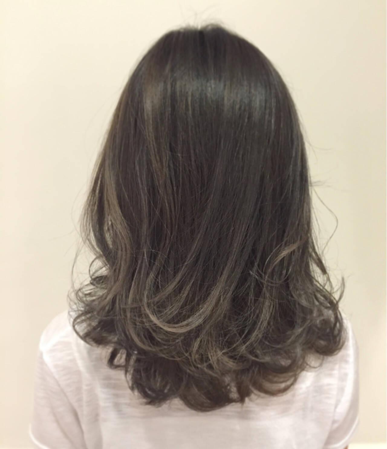 アッシュ ストリート アッシュグレー 暗髪ヘアスタイルや髪型の写真・画像