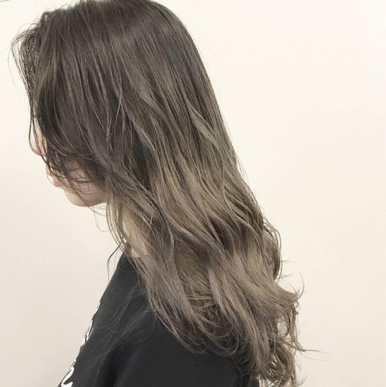 ロブ ガーリー グレージュ ロングヘアスタイルや髪型の写真・画像