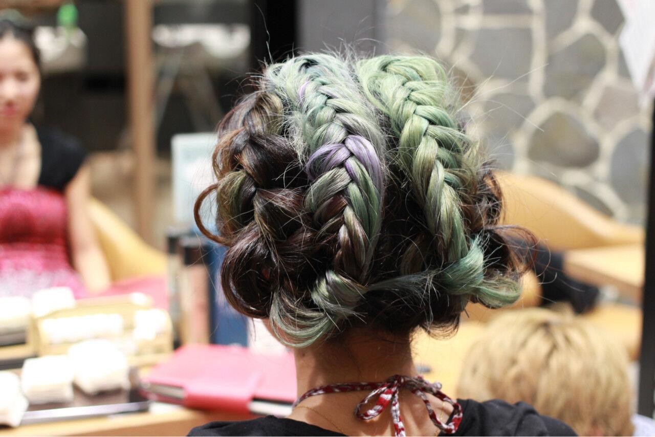 ヘアアレンジ ロング ストリート パステルカラーヘアスタイルや髪型の写真・画像