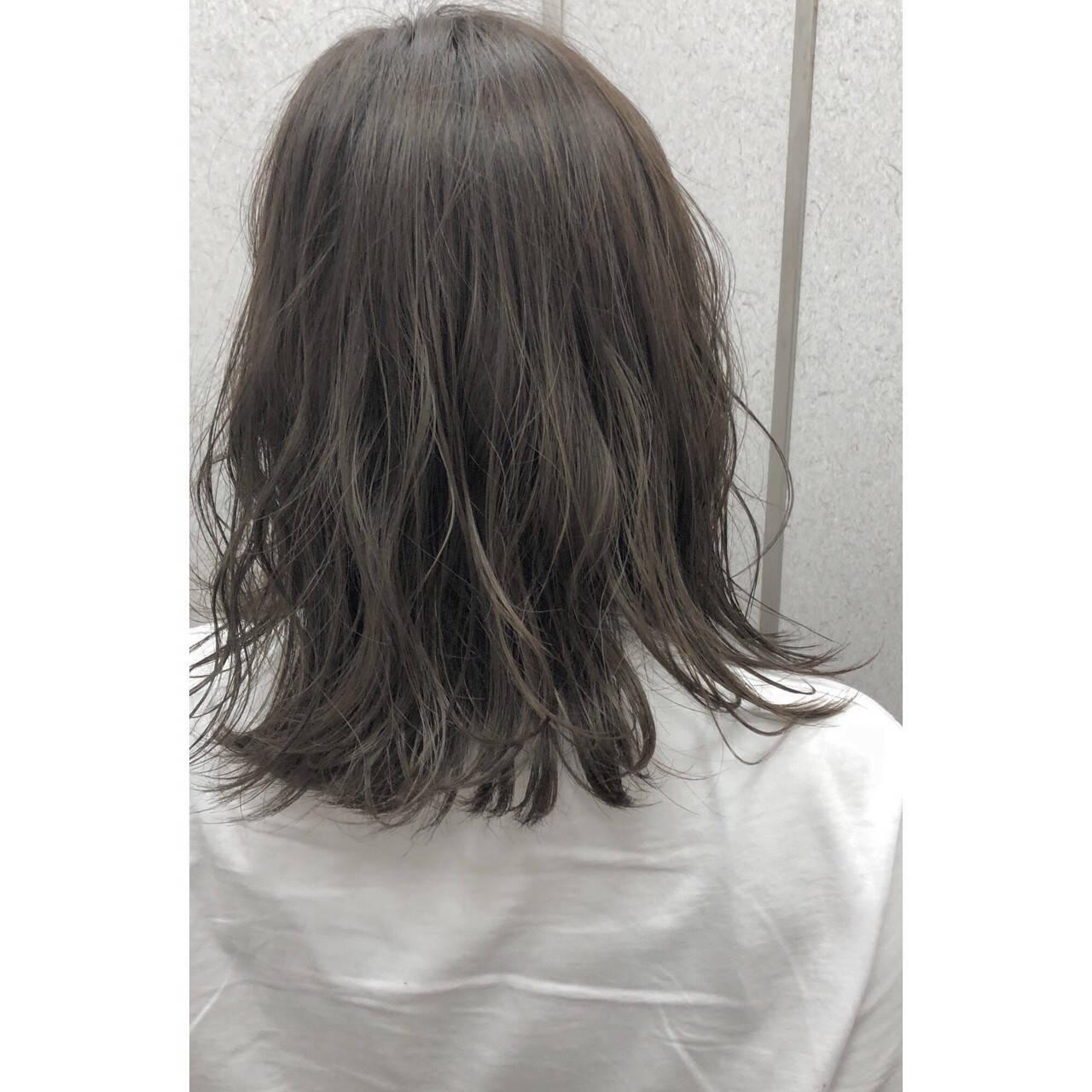前髪あり ミディアム おフェロ 透明感ヘアスタイルや髪型の写真・画像