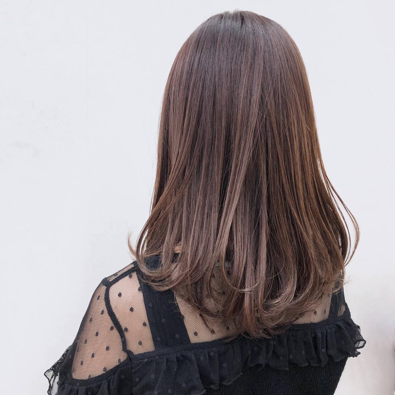 セミロング 艶髪 レッド ピンクヘアスタイルや髪型の写真・画像