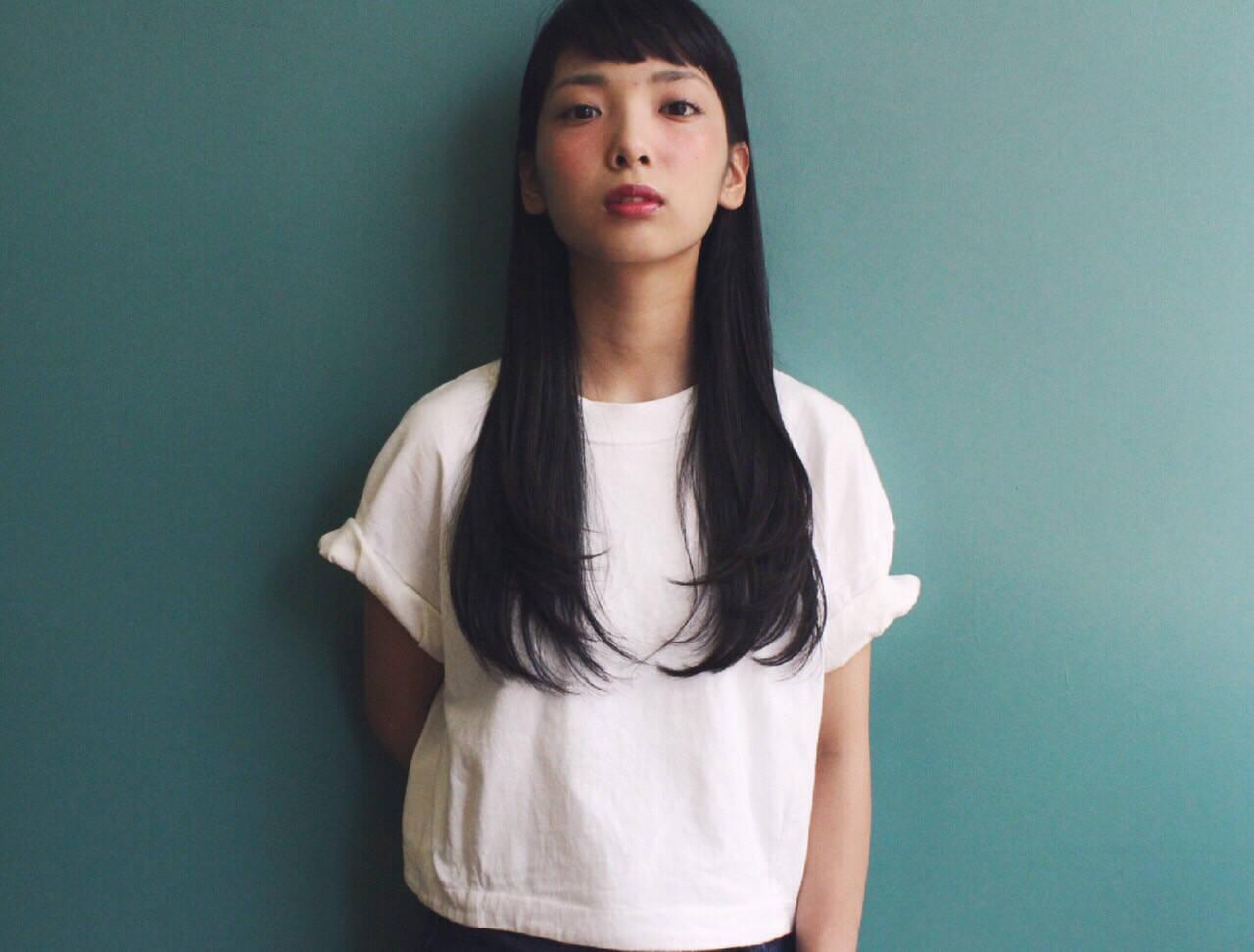 ナチュラル 黒髪 ストレート ロングヘアスタイルや髪型の写真・画像