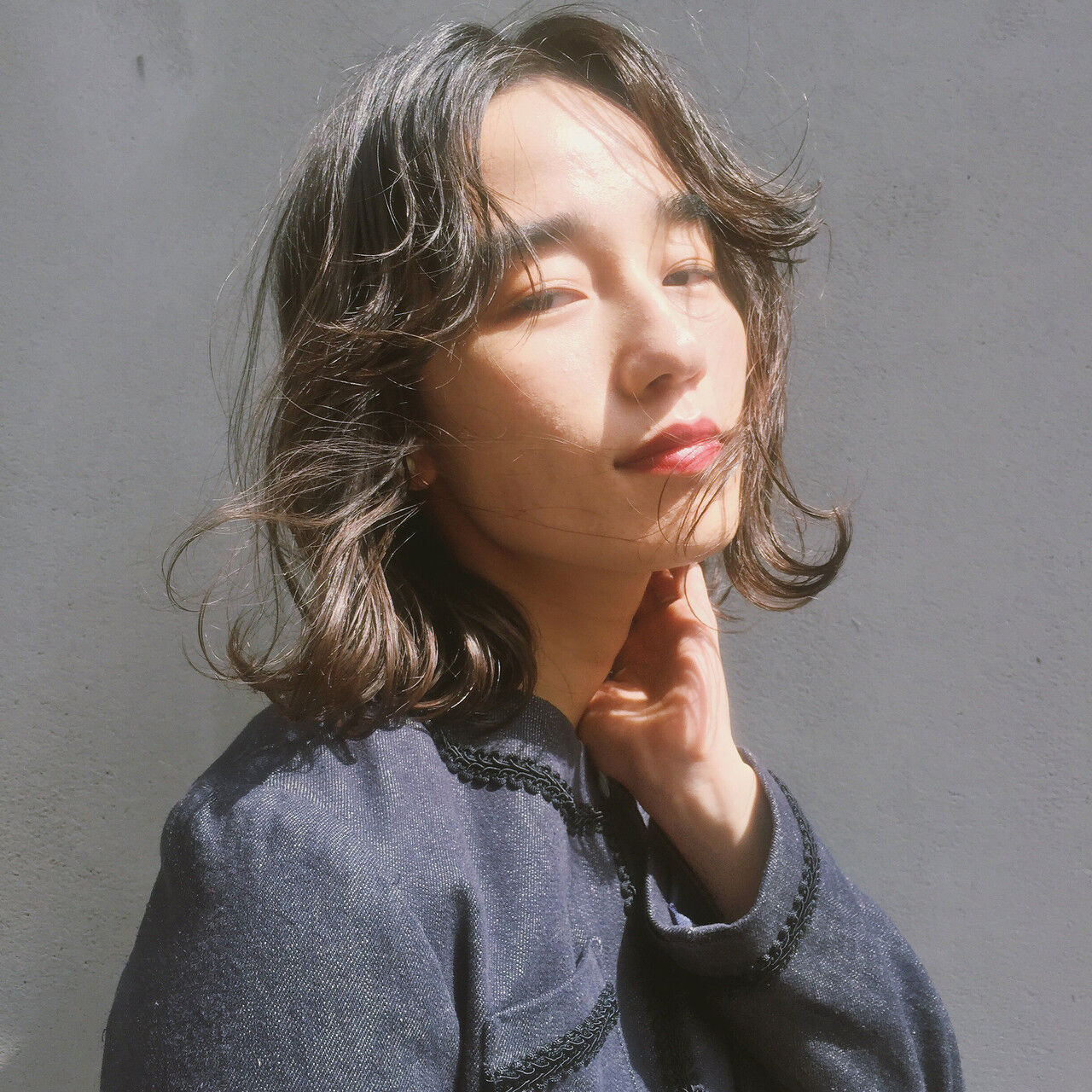 ミニボブ ショートボブ 波ウェーブ 切りっぱなしボブヘアスタイルや髪型の写真・画像