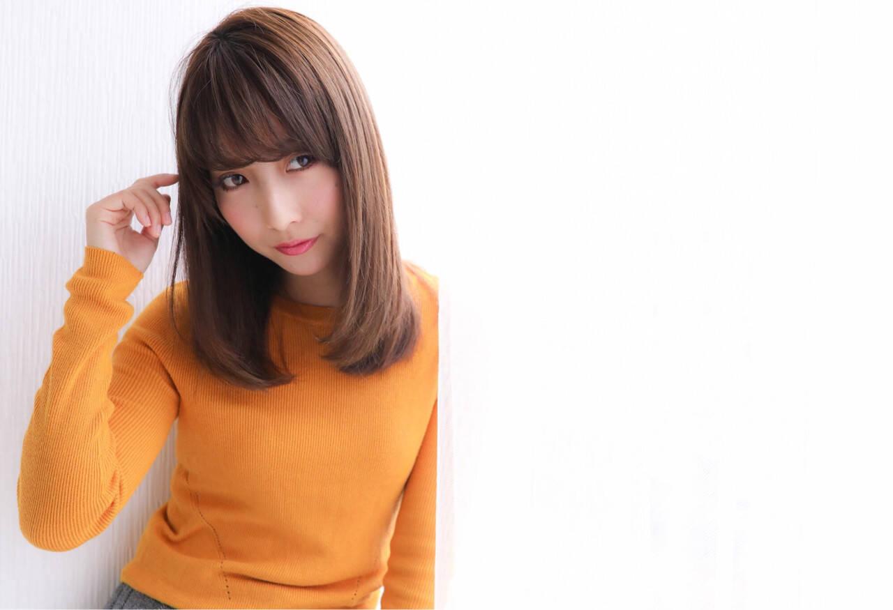 ナチュラル 小顔 セミロング 艶髪ヘアスタイルや髪型の写真・画像