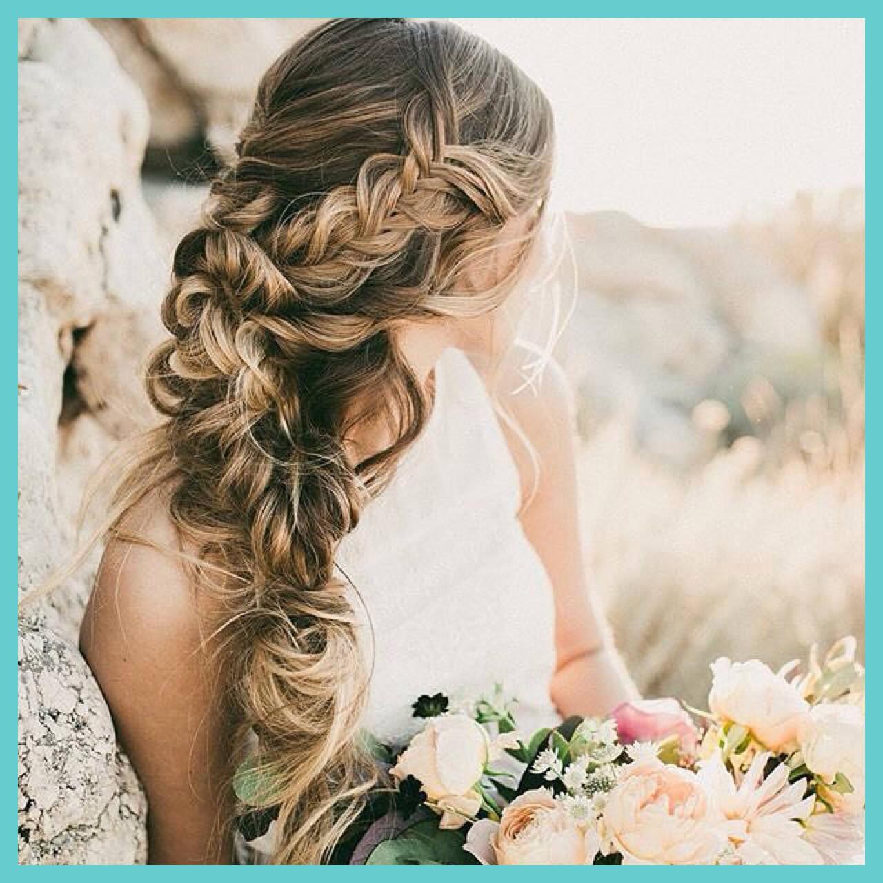 フェミニン ヘアアレンジ ロングヘアスタイルや髪型の写真・画像