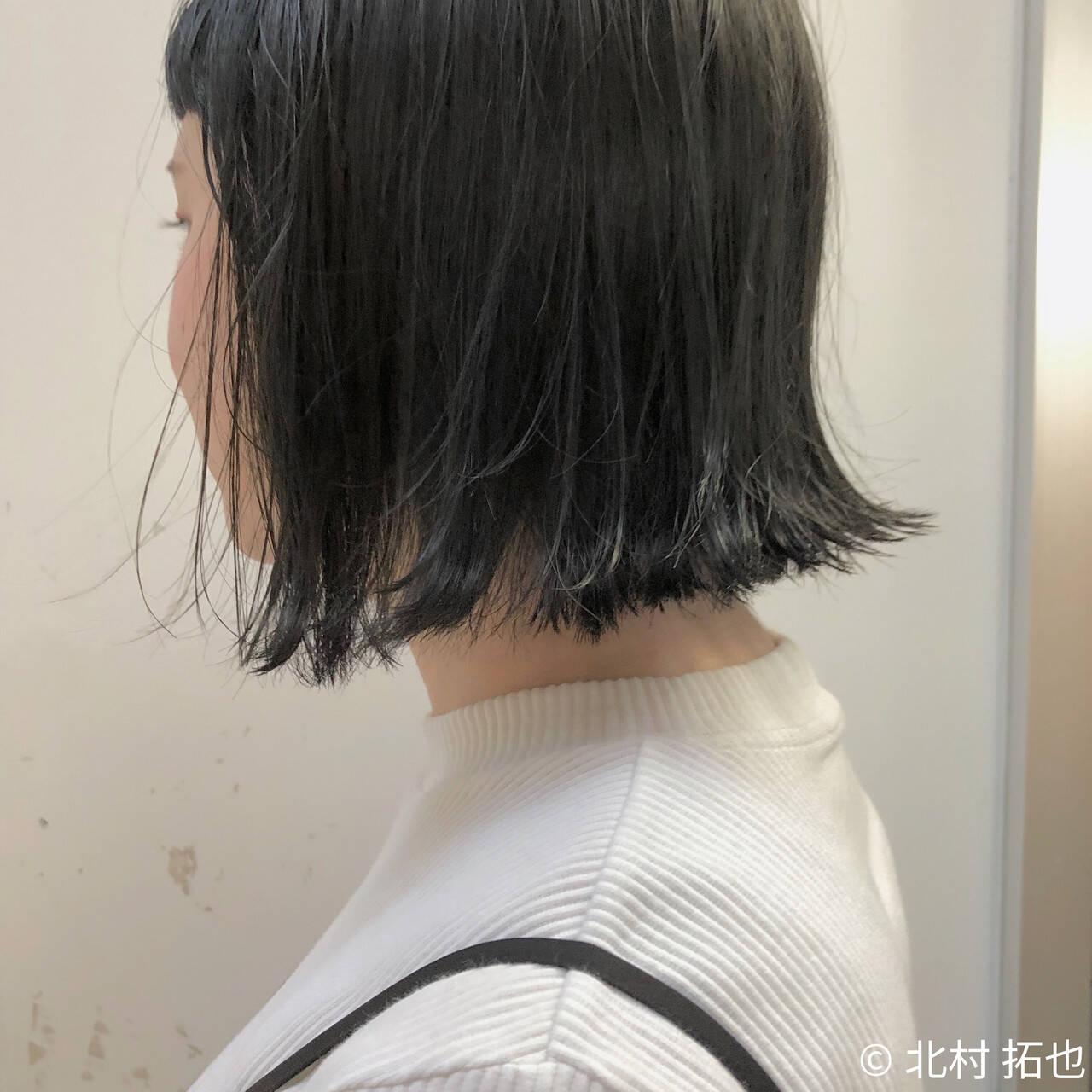 グレージュ ボブ 透明感カラー 切りっぱなしボブヘアスタイルや髪型の写真・画像