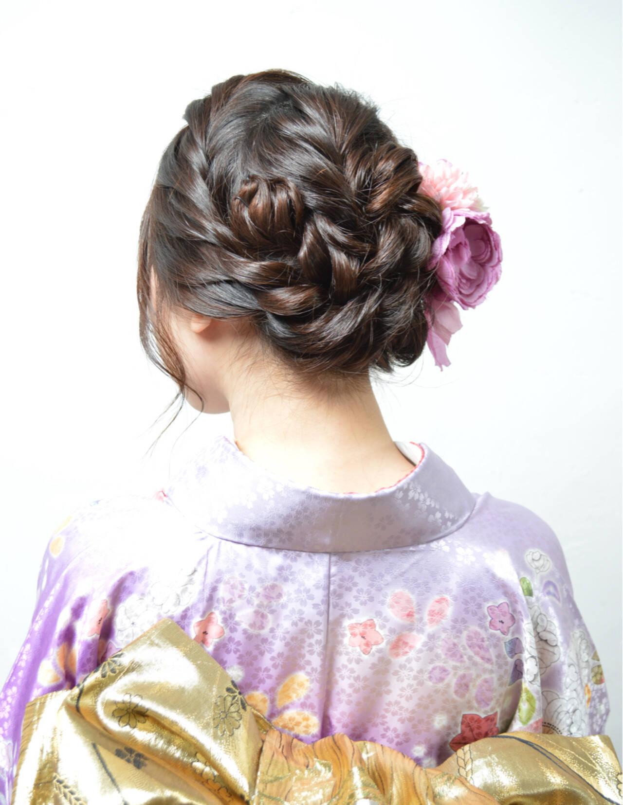ヘアアレンジ ねじり アップスタイル ミディアムヘアスタイルや髪型の写真・画像