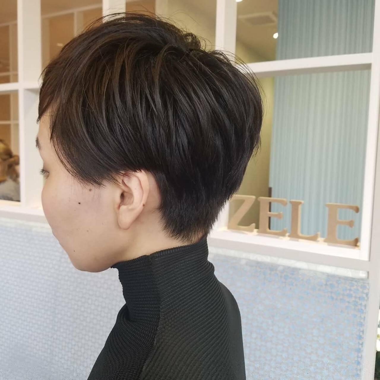 ショート 大人女子 モード 刈り上げヘアスタイルや髪型の写真・画像