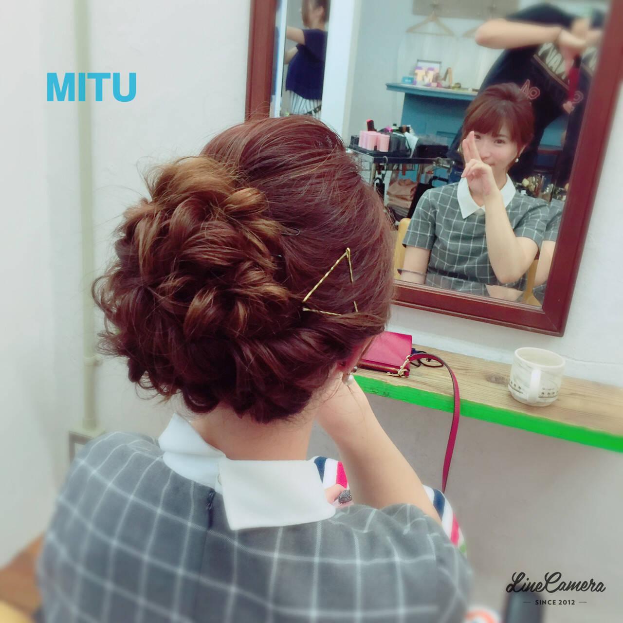 ねじり ヘアアレンジ アップスタイル セミロングヘアスタイルや髪型の写真・画像
