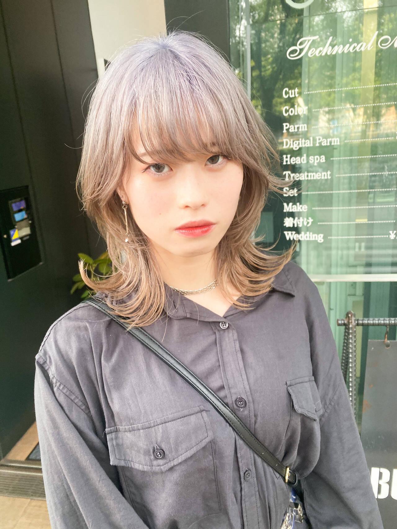 ミディアム マッシュウルフ モード ウルフカットヘアスタイルや髪型の写真・画像