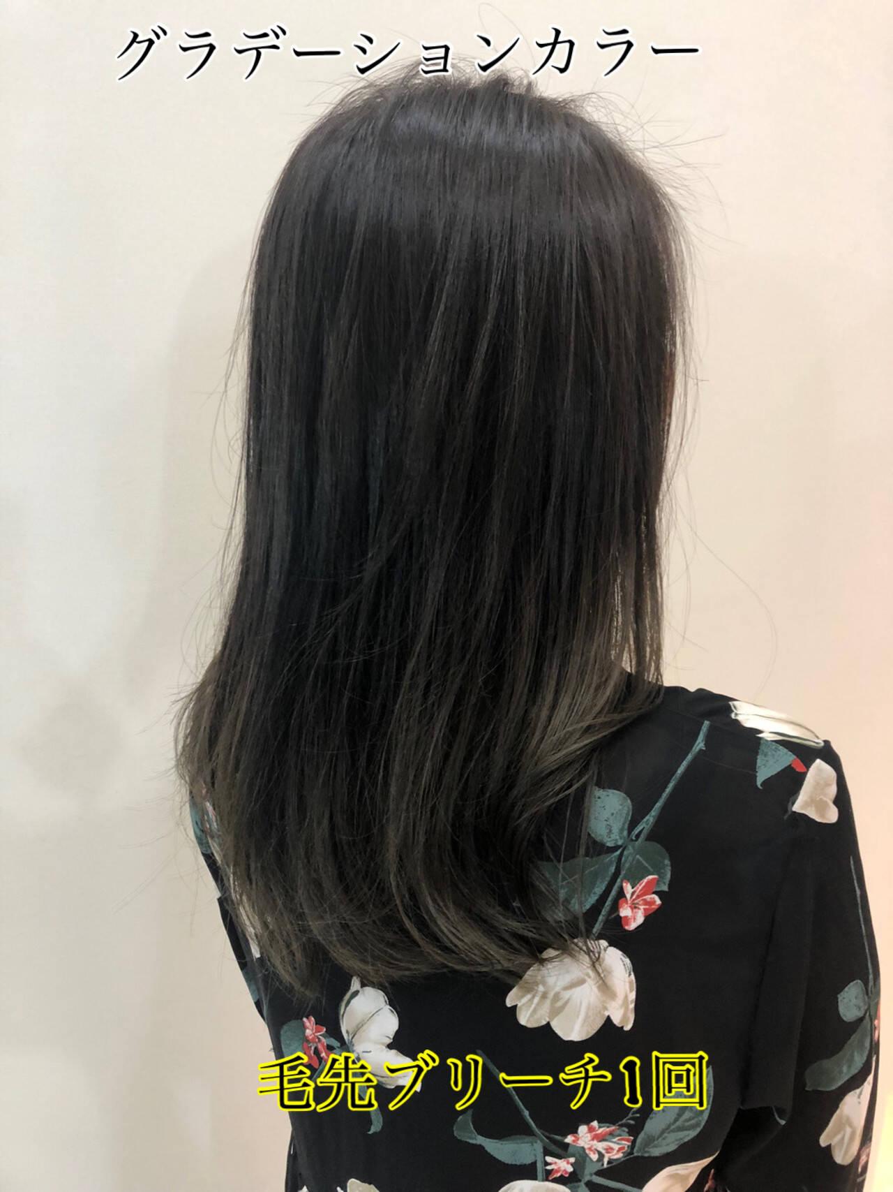 エレガント アッシュ グラデーションカラー セミロングヘアスタイルや髪型の写真・画像