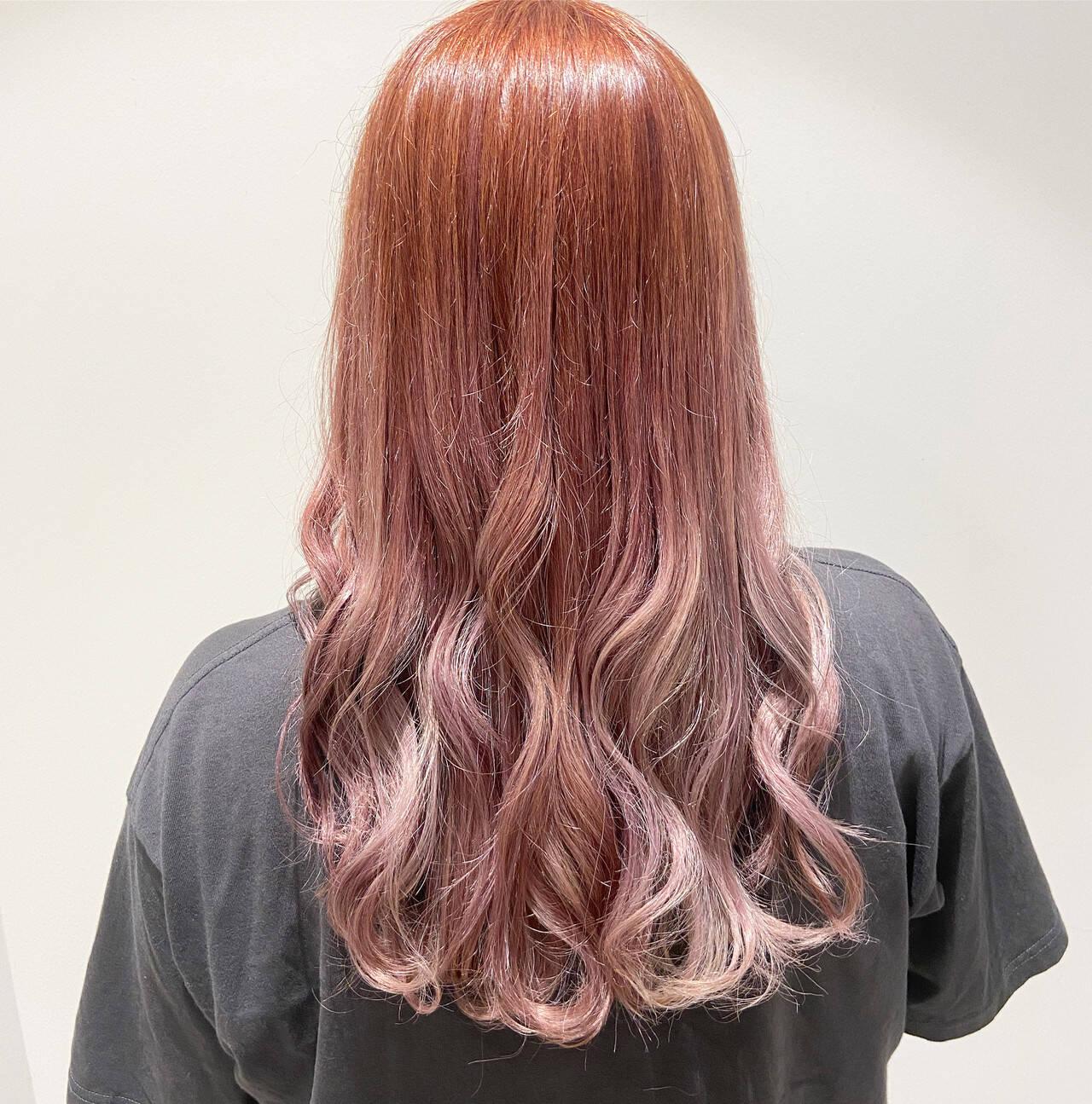 ピンクバイオレット ピンクベージュ ラベンダーピンク ガーリーヘアスタイルや髪型の写真・画像