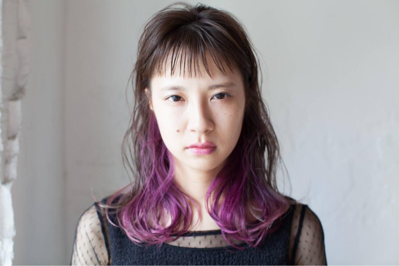 モード インナーカラー ベリー セミロングヘアスタイルや髪型の写真・画像