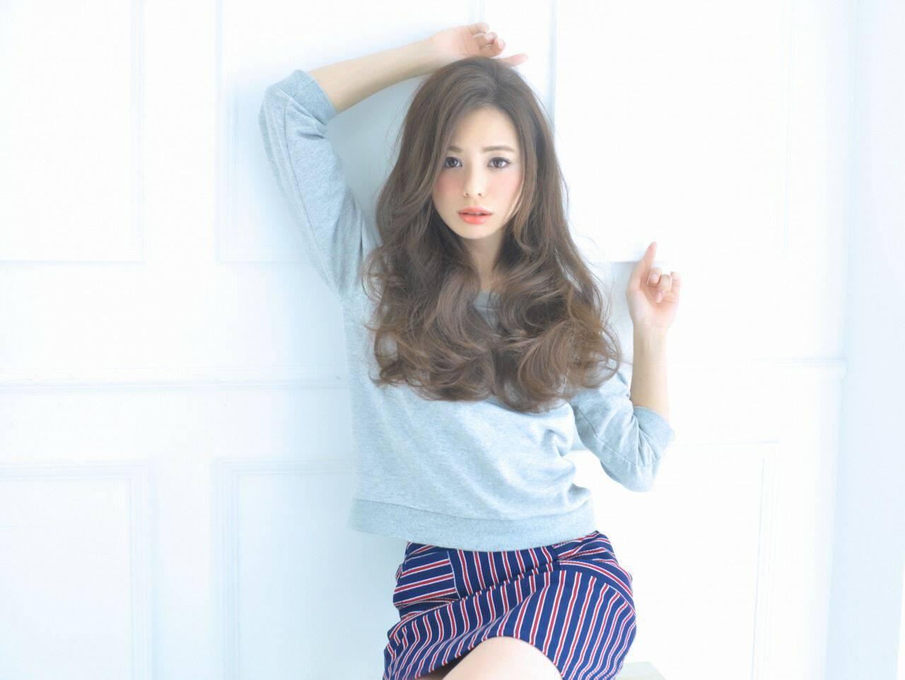 秋 ウェーブ モテ髪 コンサバヘアスタイルや髪型の写真・画像