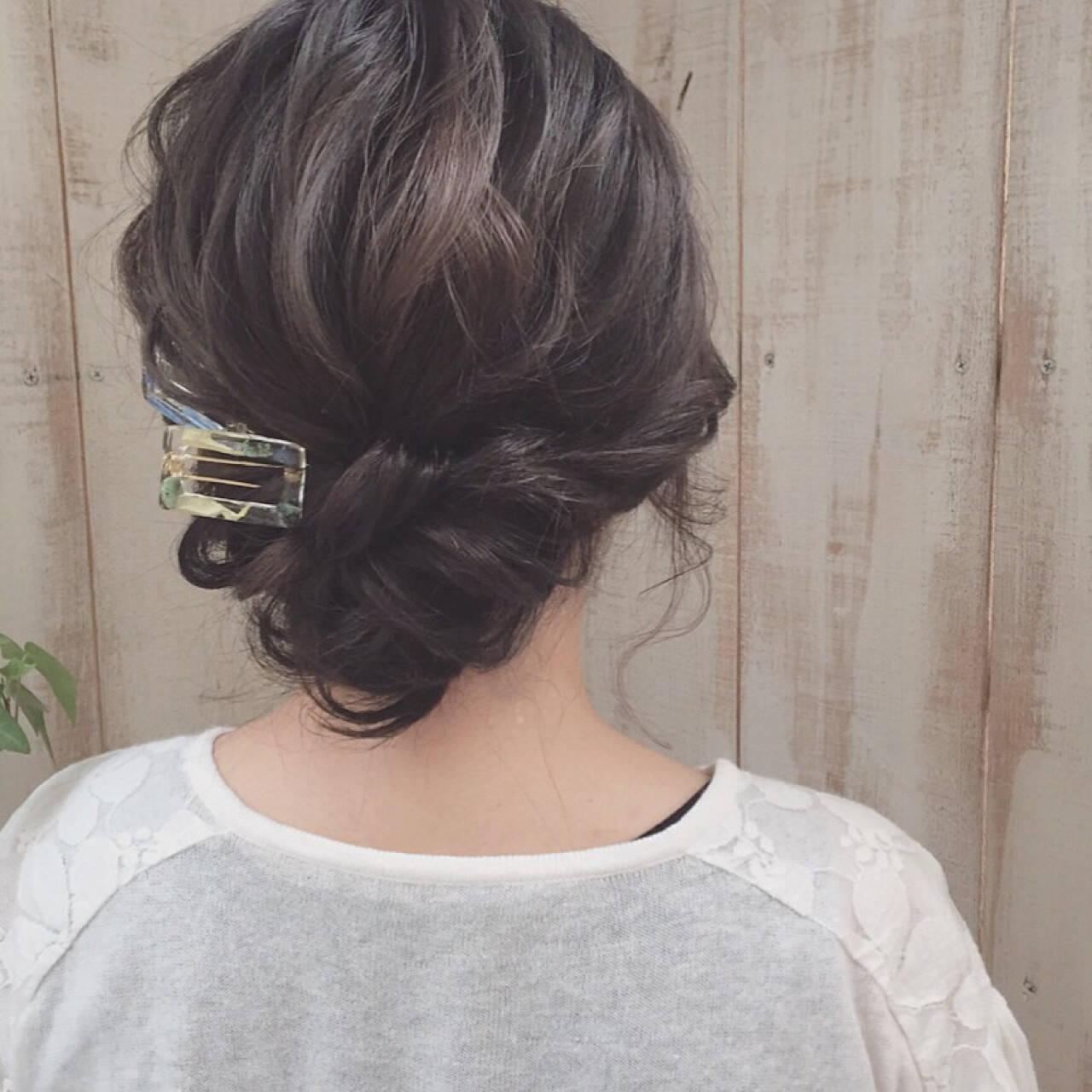 暗髪 ミディアム アップスタイル ヘアアレンジヘアスタイルや髪型の写真・画像