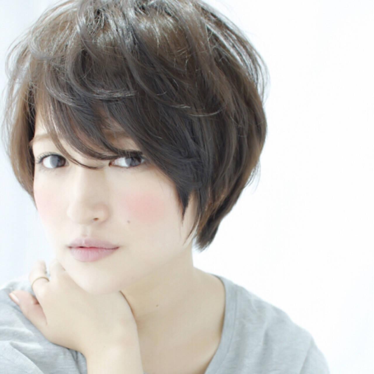 アッシュ こなれ感 大人女子 前髪ありヘアスタイルや髪型の写真・画像