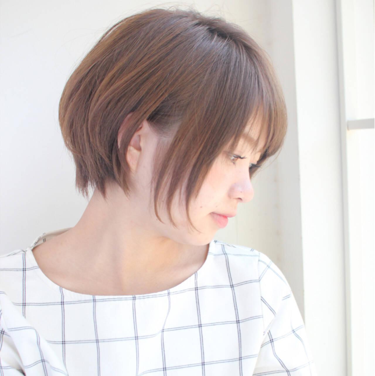フリンジバング 大人女子 小顔 ショートヘアスタイルや髪型の写真・画像