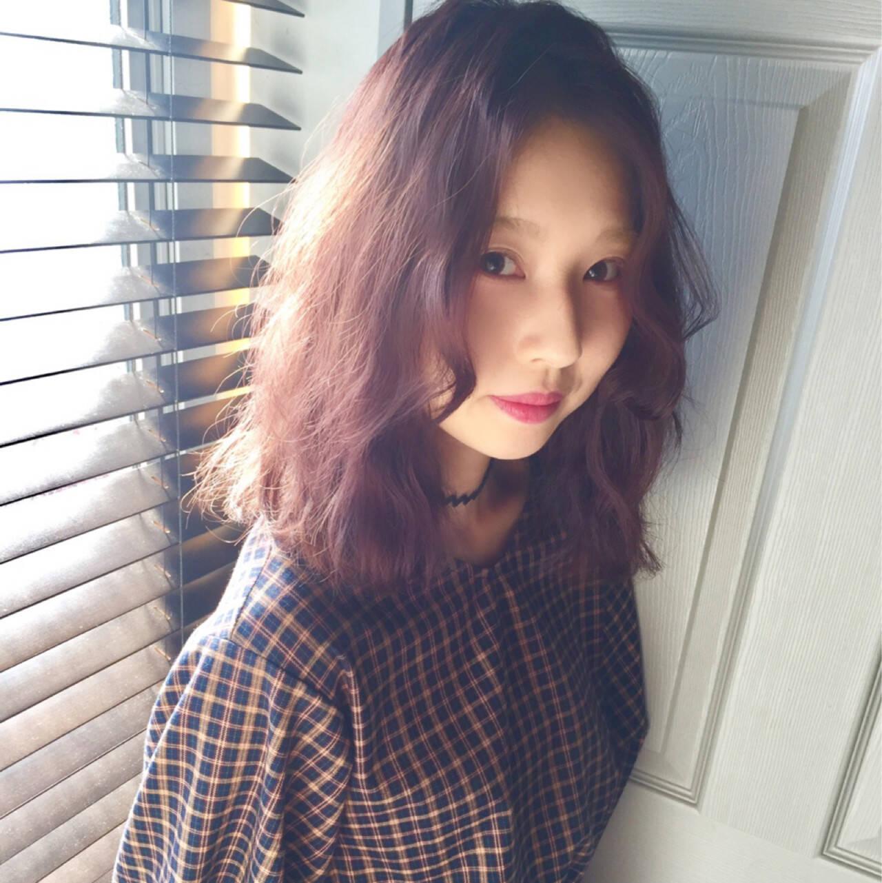 ラベンダーアッシュ フェミニン イルミナカラー ガーリーヘアスタイルや髪型の写真・画像