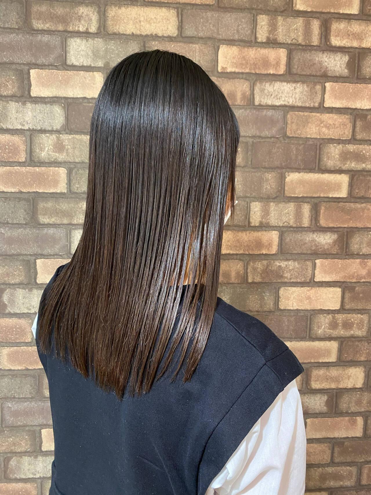 前髪あり 梅雨 ナチュラル 縮毛矯正ヘアスタイルや髪型の写真・画像