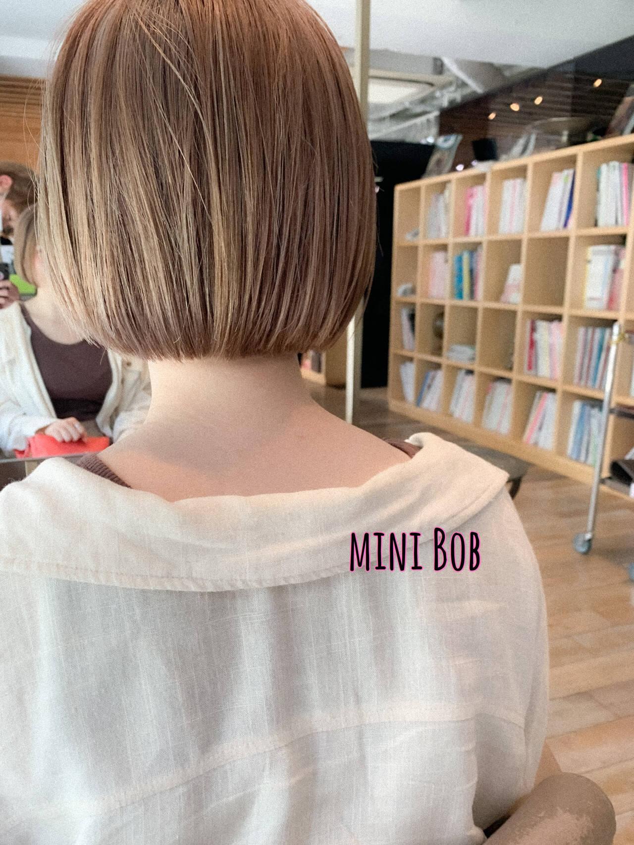 ボブ ナチュラル ハイトーンボブ ミルクティーベージュヘアスタイルや髪型の写真・画像