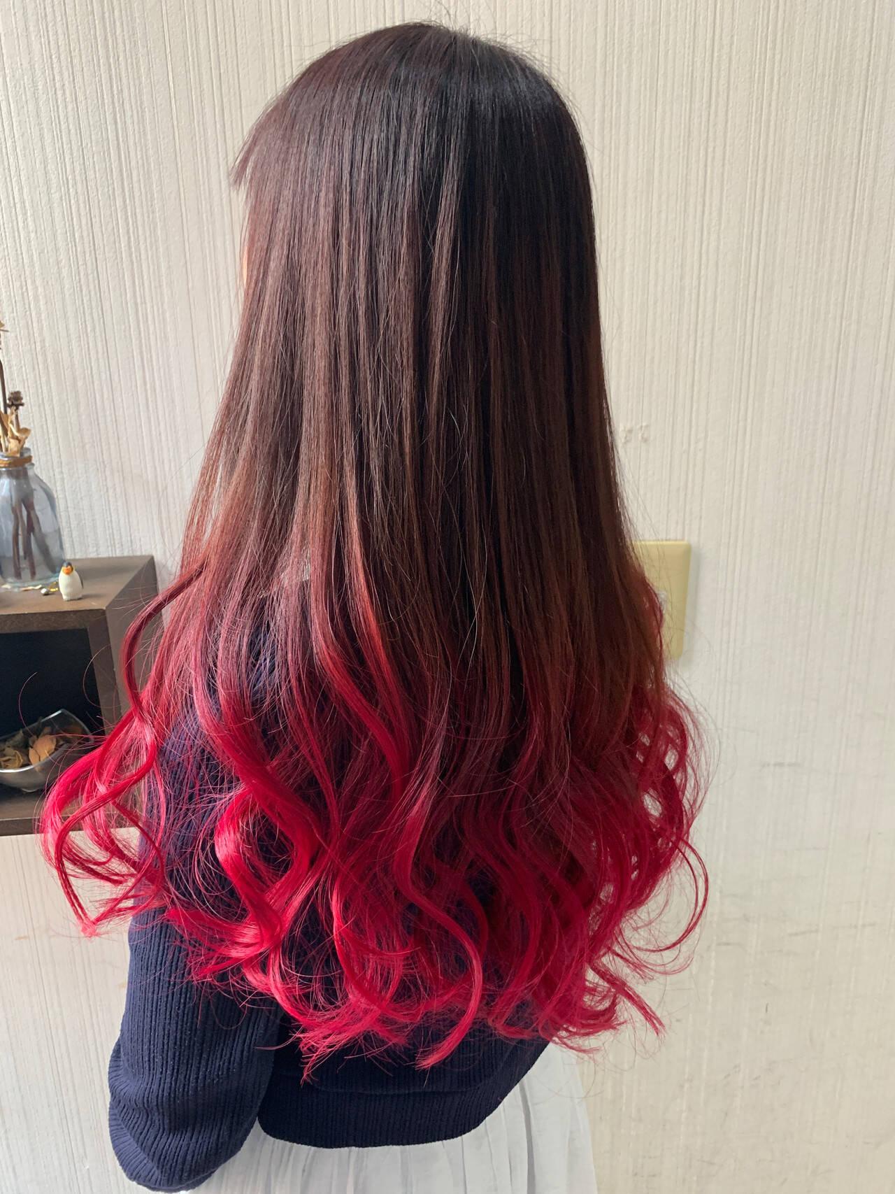 大人可愛い インナーカラー ベリーピンク ナチュラルヘアスタイルや髪型の写真・画像