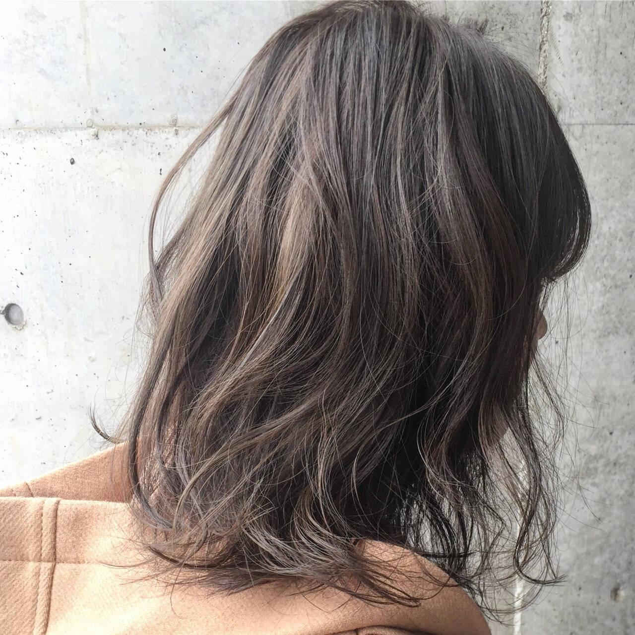 アッシュ グラデーションカラー ハイライト ストリートヘアスタイルや髪型の写真・画像