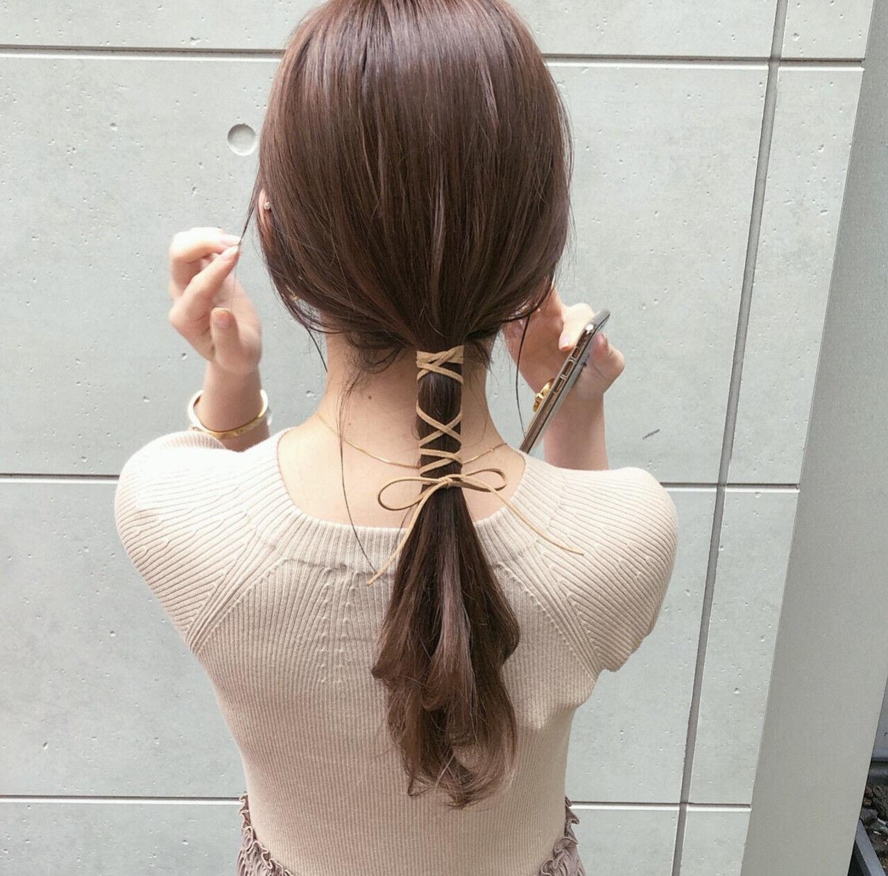 紐アレンジ ローポニー モード ポニーテールヘアスタイルや髪型の写真・画像