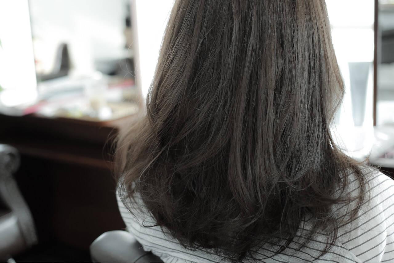 ストリート 暗髪 アッシュ ベージュヘアスタイルや髪型の写真・画像