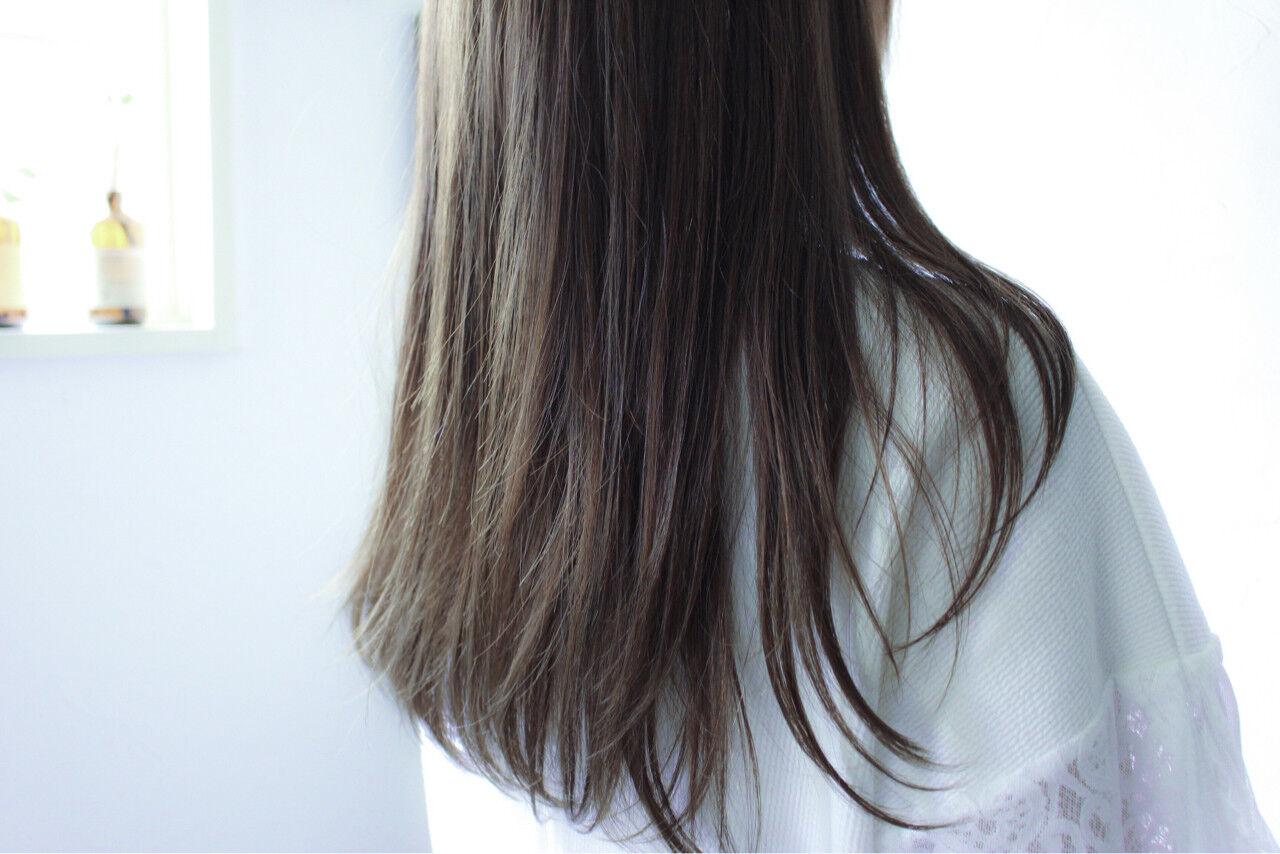 ロング ブラウン グレージュ 暗髪ヘアスタイルや髪型の写真・画像