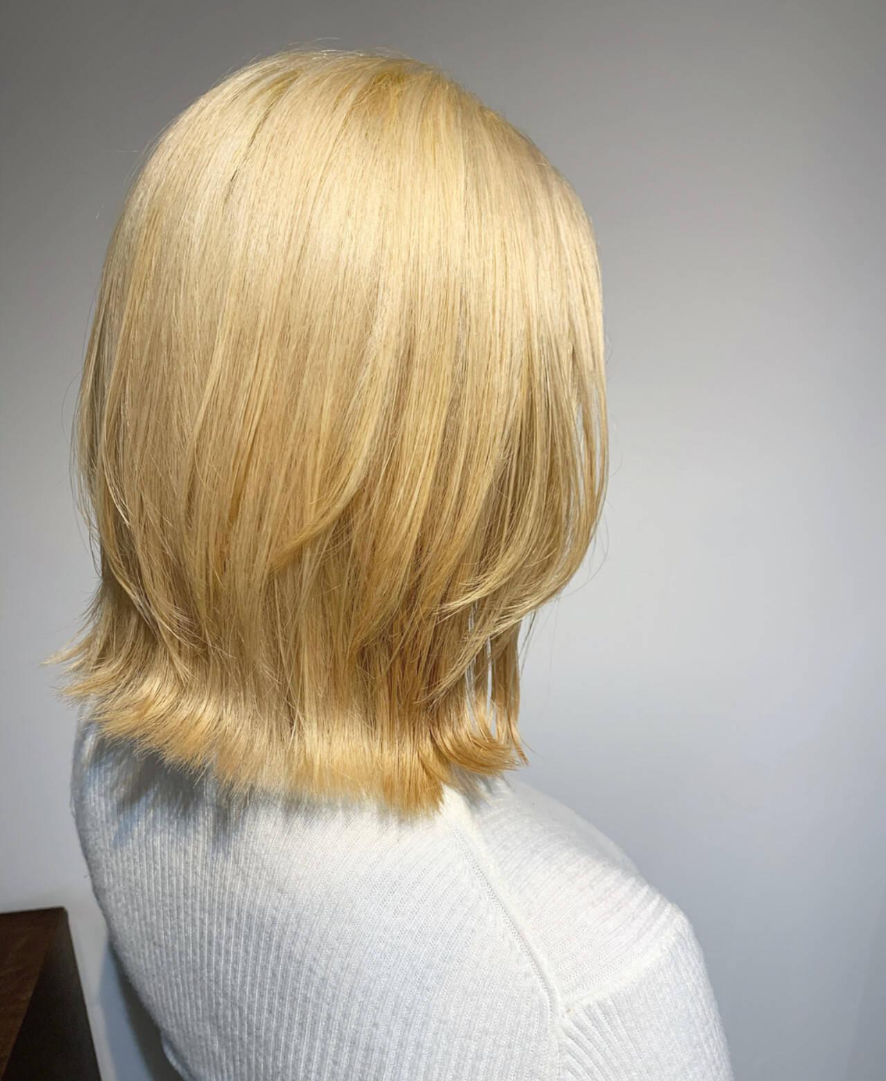 ホワイトカラー ボブ ラベージュ 大人ハイライトヘアスタイルや髪型の写真・画像
