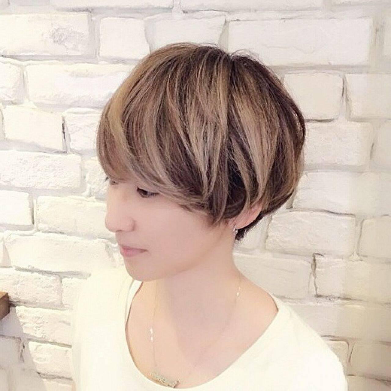 ハイトーン ショート グラデーションカラー ストリートヘアスタイルや髪型の写真・画像